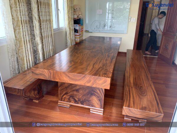 bàn ăn gỗ nguyên khối